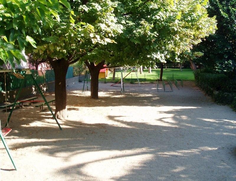 Ecole maternelle le jardin enchant for Le jardin voyageur maternelle